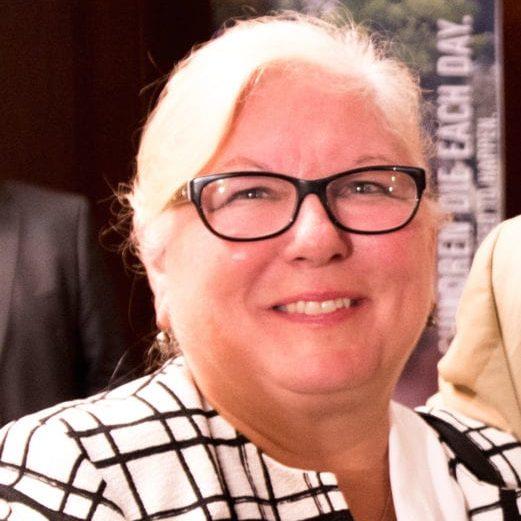 Lynette Kluver